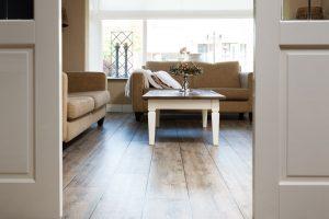 Pluimers Vloeradvies, eetkamer en woonkamer vloer met schuifdeuren